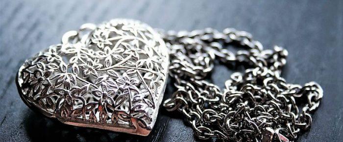 Le cadeau idéal pour noël : un bijou en argent massif !